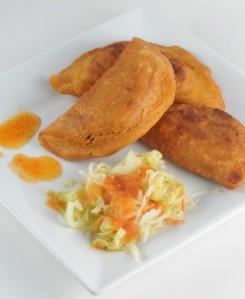 Pastelitos de Maiz y Soya con Curtido Salvadoreño